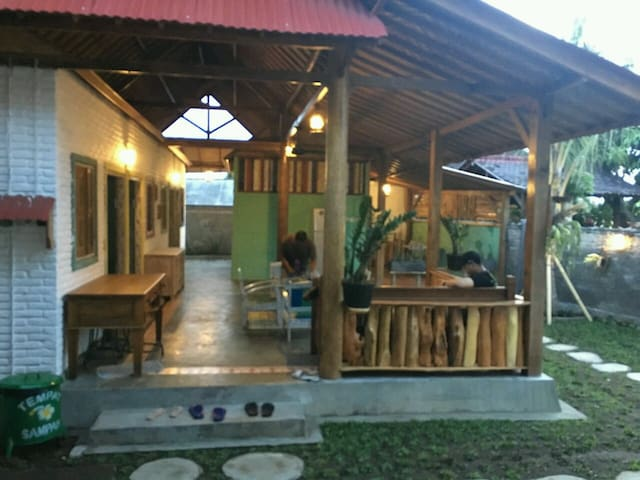 Medewi Secret Surf Camp - Pekutatan - Apartamento