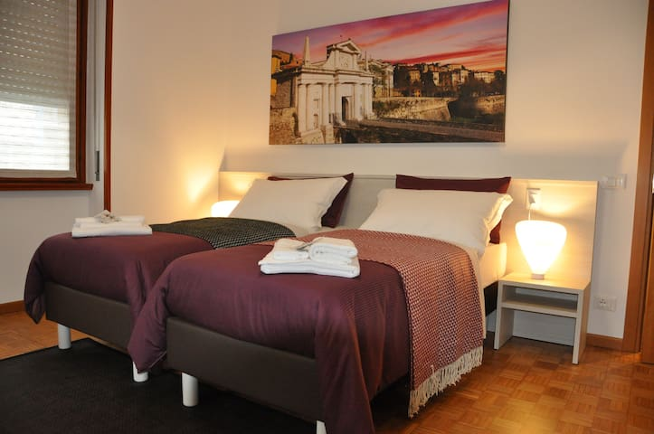 CityWalls Guest House Room 3