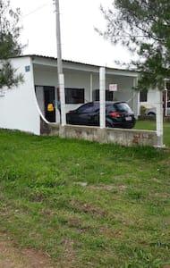 Casa na Praia do Magistério, Balneário Pinhal.
