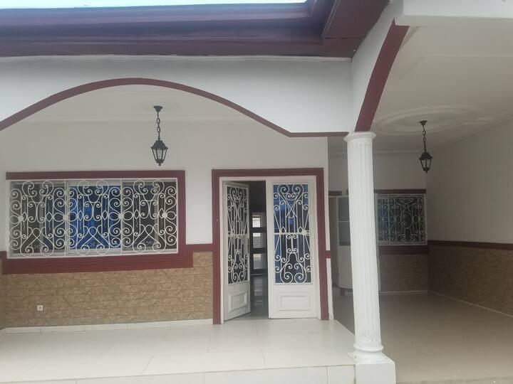 Mini villa meublée  à louer à Sable