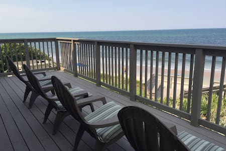 A Florida Ocean Front House Directly On the Ocean! - 弗拉格勒海滩 (Flagler Beach) - 独立屋