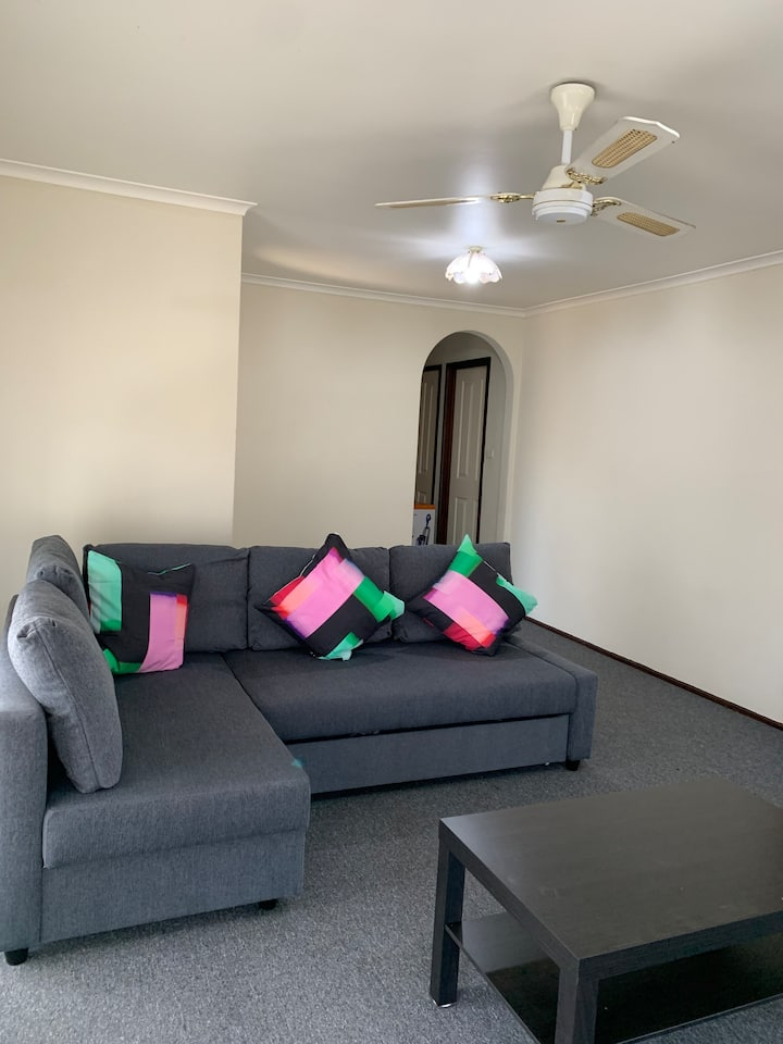 Spacious 3 bed room house in Cranbourne