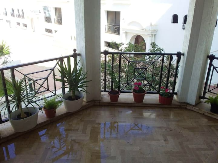 Apartment with one bedroom in Casablanca, with shared pool, enclosed garden and WiFi - 100 m from the beach