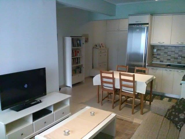 Cozy apartment in Thessaloniki - Thessaloniki - Apartment