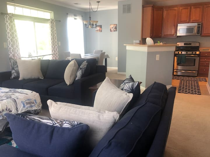 Apartment 2BR/2BA near IAD/Herndon P&R/Reston