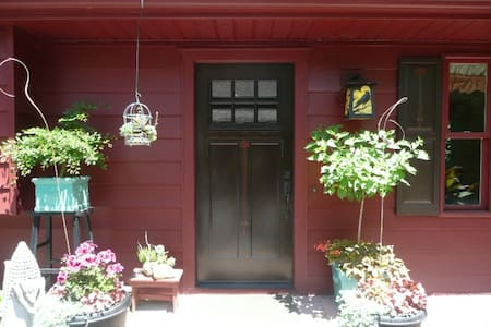 Magna Pines Guesthouse - Chagrin Falls - Gjestehus
