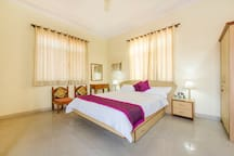 *PALM holidays-Private Room,Bath,without Breakfast