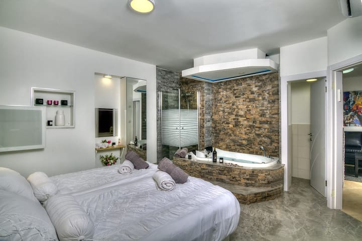 Montefiore's house |  Special Suite in Old Safed