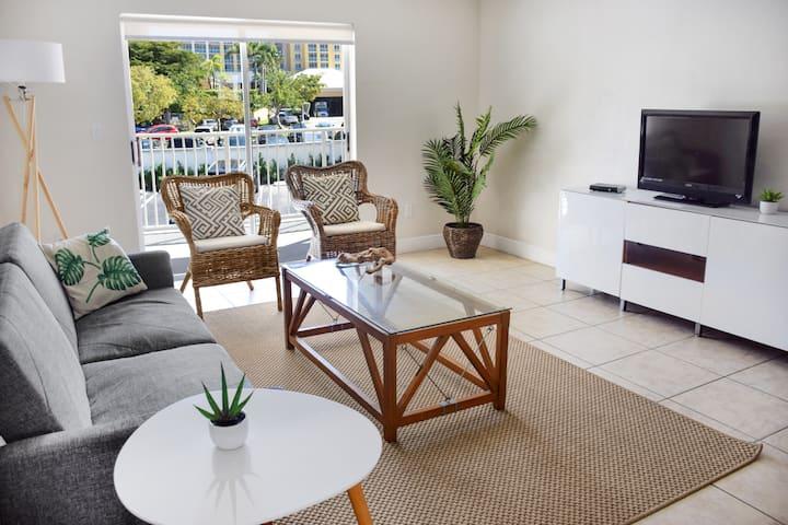 Coral Reef Hotel 2 Bedroom Suites ♾