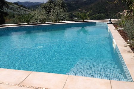 Cosy house with great view & pool - Tanneron
