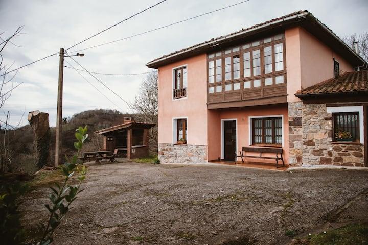 Casa Carquera, Nava