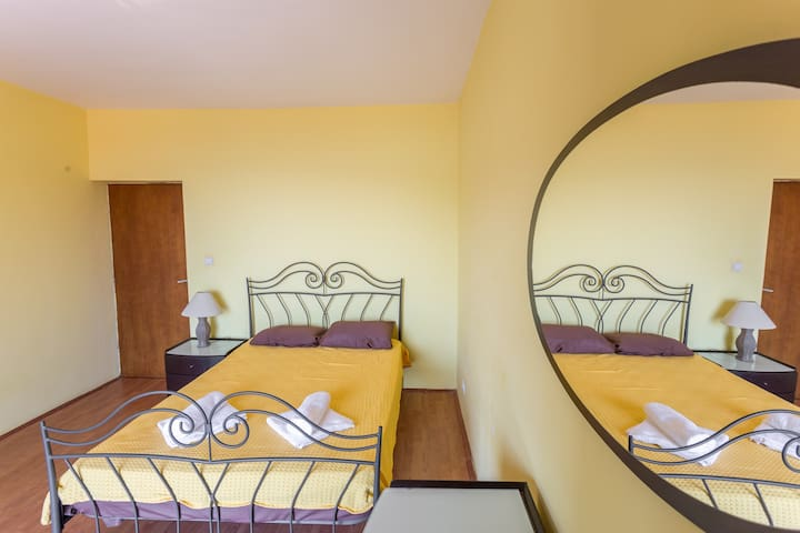 Double room with a balcony and sea view - Herceg Novi - Lejlighed