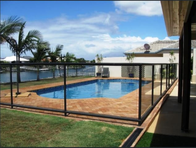 Beautiful Large Waterfront Bribie Home with Pool