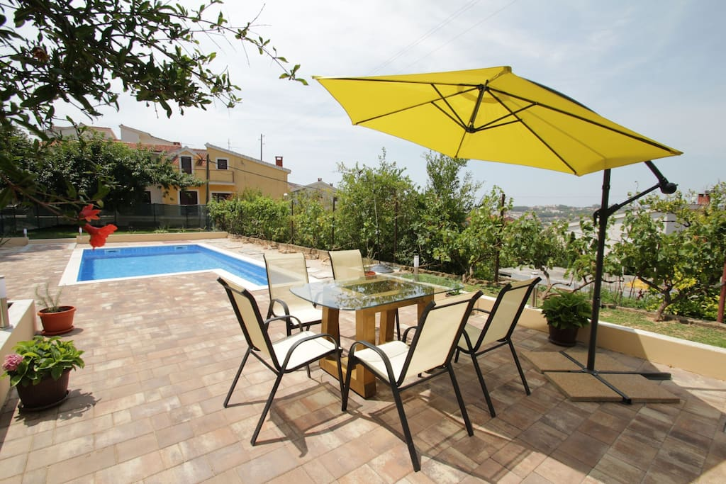 Welcome to Apartment Aljinovic Wide Apartment with Pool & Terrace