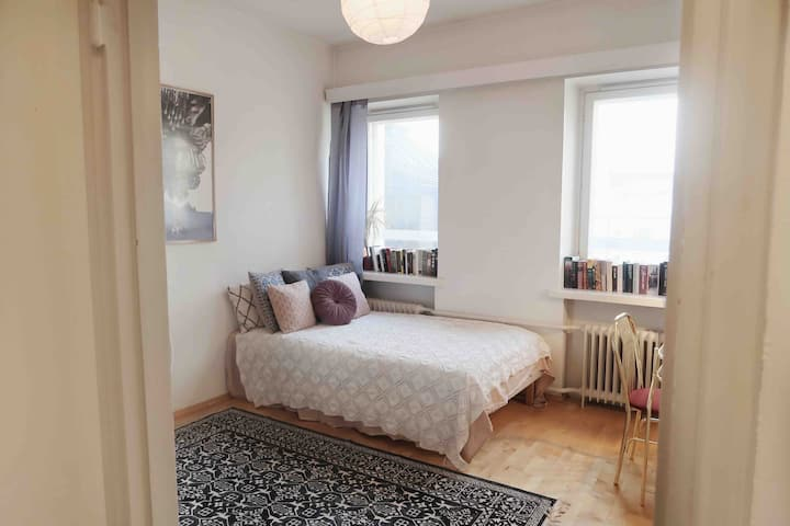 Top floor apartment in the coolest part of town
