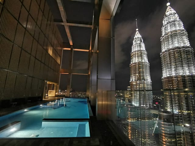 INSTAFamous KLCC Marvelous view Rooftop pool #WR27