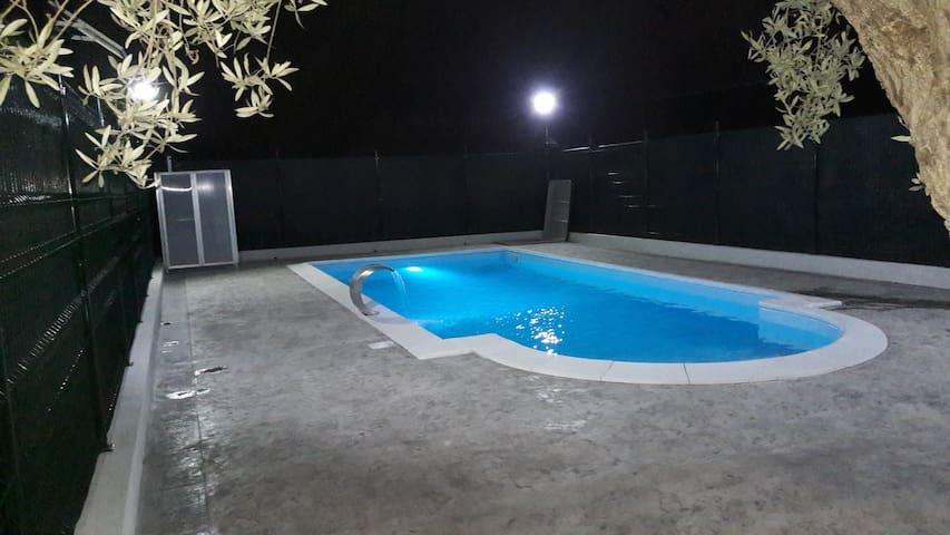 Villa con piscina e doccia solare ad uso ESCLUSIVO