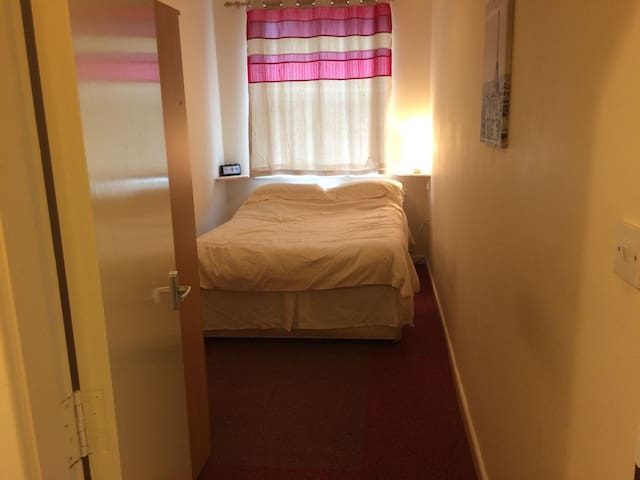 Newly furnished flat just off London Road!