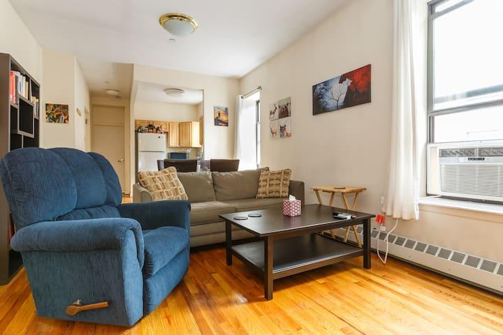 Open Livingroom and Kitchen.