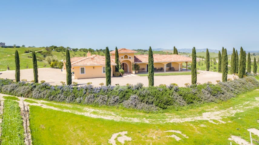 Aterno Estate & Vineyard, Main House & Guest House