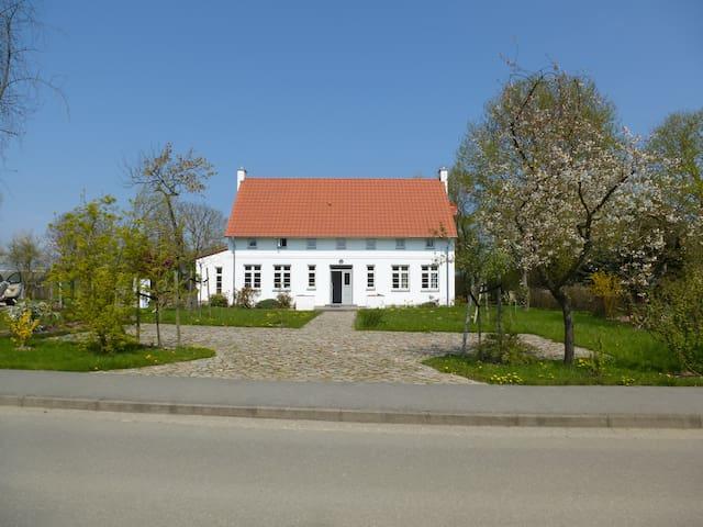Traumhaftes Luxus-Ferienhaus an der Ostsee - Warnkenhagen - House