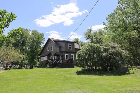 Renegades Ranch Home on 12 Acres by Big Stone Lake