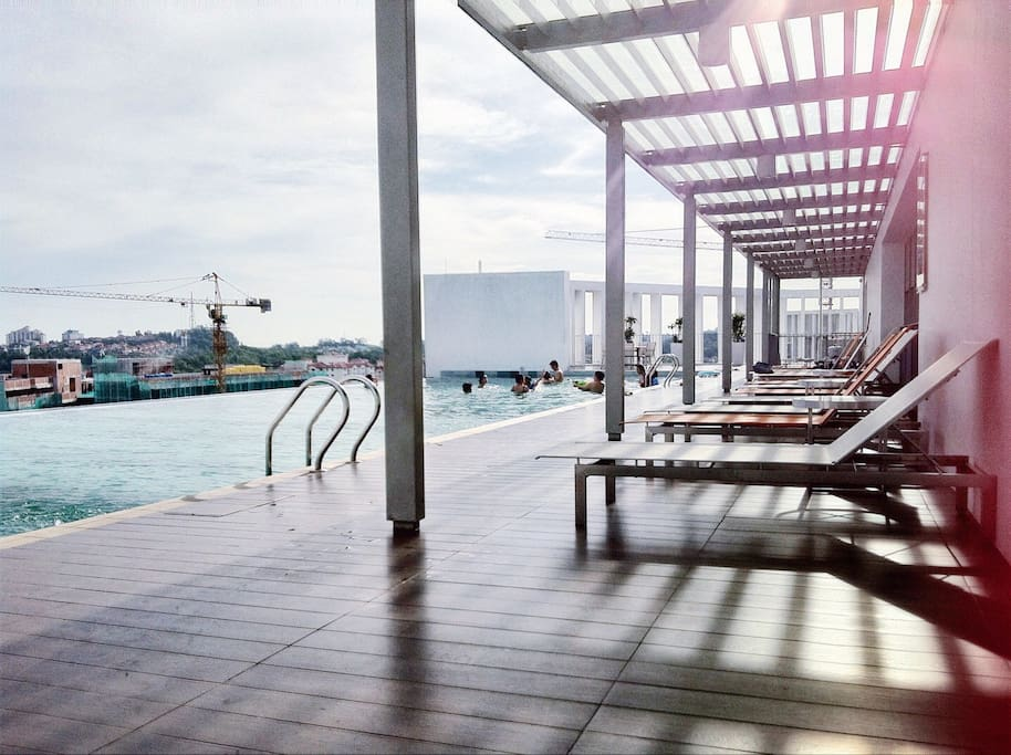 The roof top infinity pool at PH level that you can enjoy