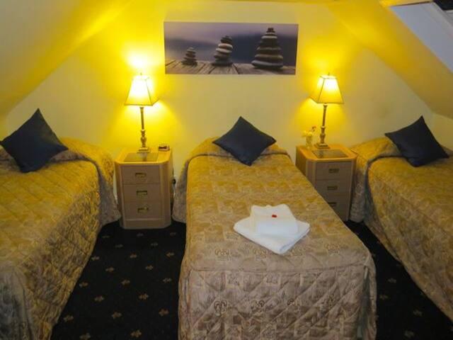 Triple Room - Galashiels - Bed & Breakfast