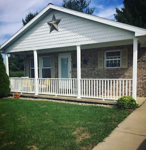 Private bedroom and bathroom close to DePauw - Greencastle - Haus