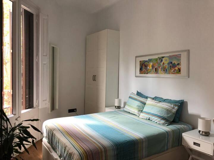 Habitación acogedora y luminosa en Bcn centro