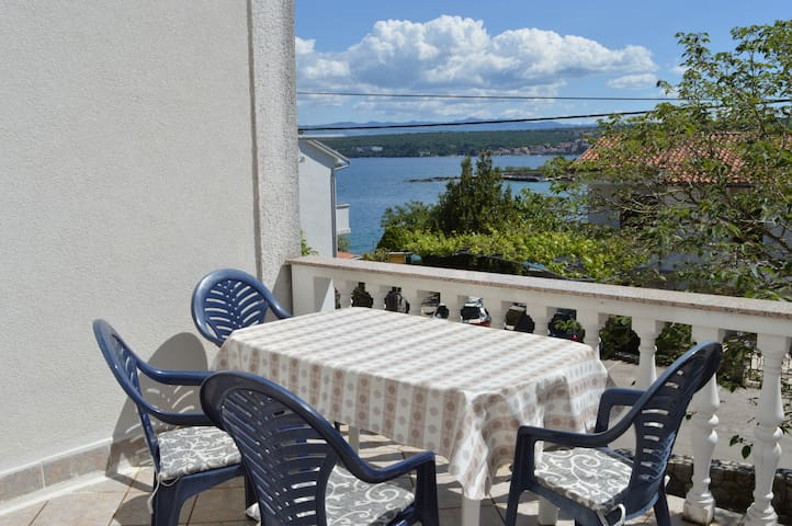 Apartment MORE - right at the sea - Malinska - Pis
