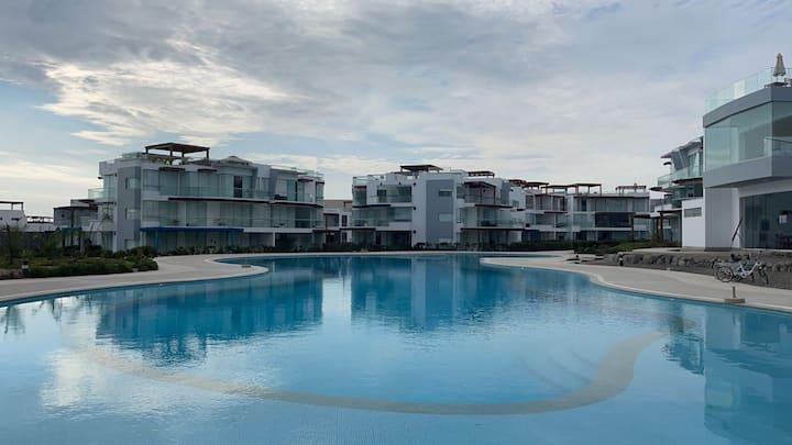 Dpto. en condominio Asia - acceso directo al mar