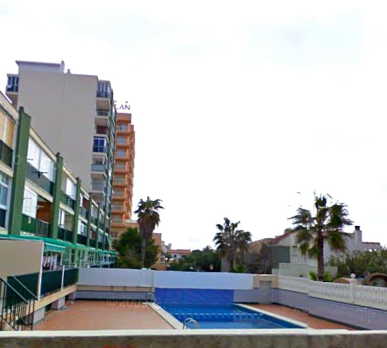 Acceso a piscina privada