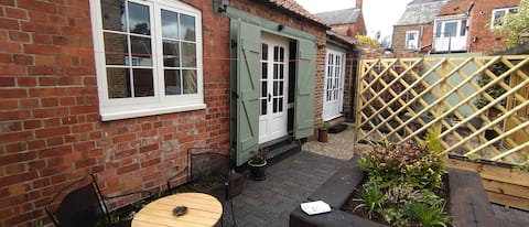 Self contained double room, lounge and bathroom