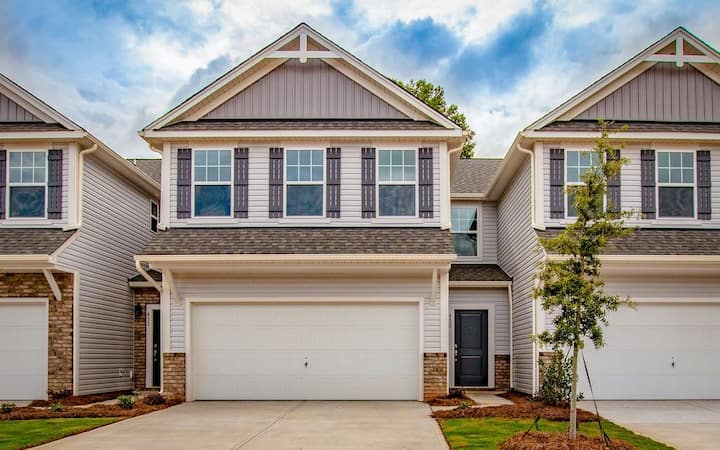 Beautiful home near Carowinds and & Starbucks