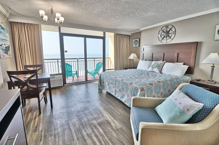 The 7th Floor Wonder! King Suite Ocean Front View
