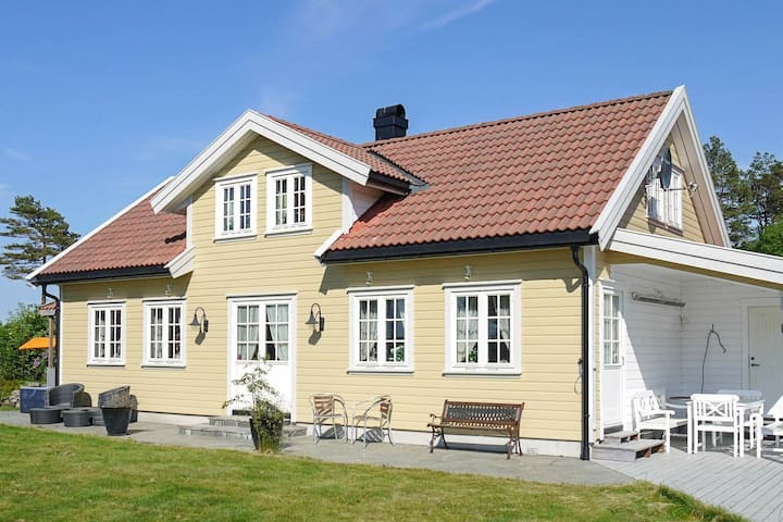 10 person holiday home in kongshavn