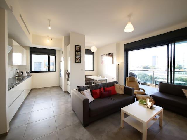 Modern Apartment - Near High Tech & Rothschild
