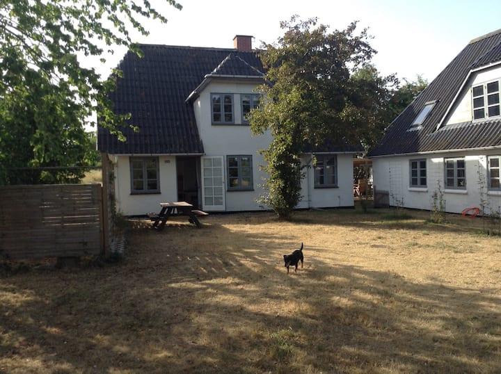 Rummeligt landhus på Kegnæs