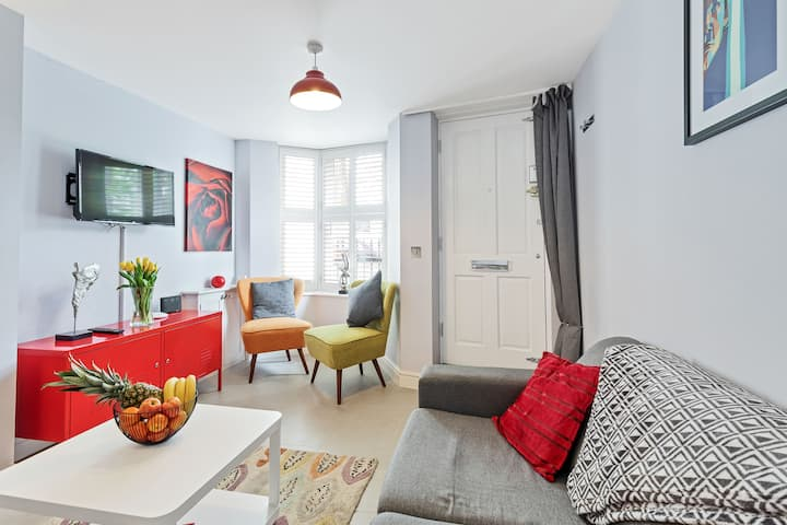 ☆Park View☆ Central Brighton. Sleeps 2-8. WiFi