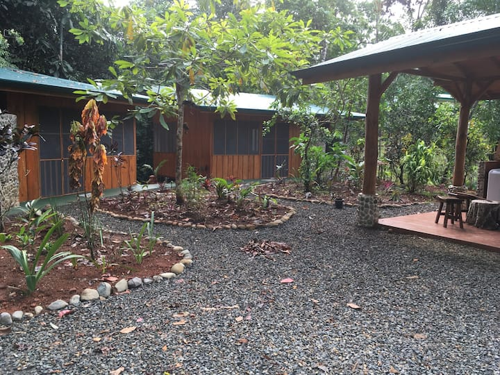 Jungle retreat perfect for small group or families