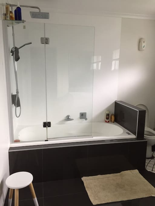 Spa bath + Towels + Hair dryer / straightener, All essential bathroom products are available for your use