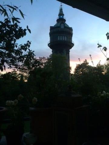 Zwischen Wasserturm  und Uniklink  Eppendorf
