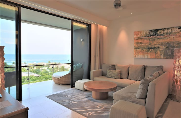 Spacious Living room and expansive views beyond
