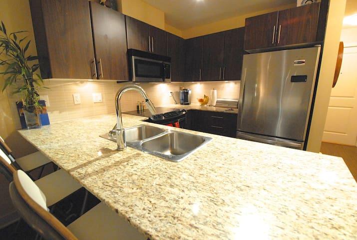 Walnut Grove Condo - Langley - Apartment