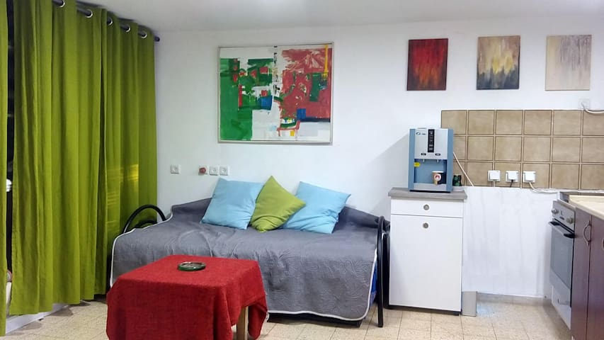 Bed in 6-Bed Mixed Dormitory Room10 - Gedera - House
