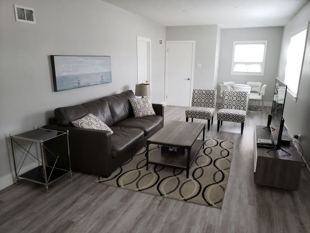 WELCOME TO MOOSE JAW'S TOP RATED AIRBNB!