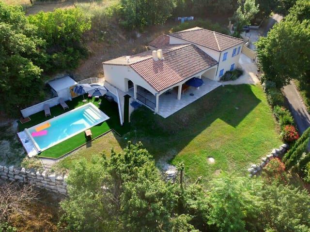 Les Chemins de Traverse, villa 7 p, piscine privée