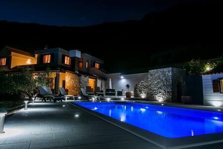 Stunning view - Villa Bobica Split - Kaštel Kambelovac