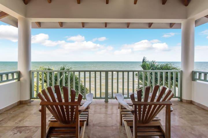 Stunning Beachfront Condo in Hopkins